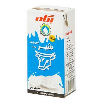 شیر نیم چرب 2.5 درصد 200 میلیلیتری پگاه